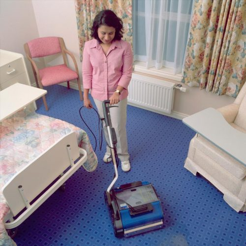 Carpet cleaning in residential room